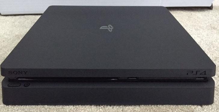 PS4_Slim1
