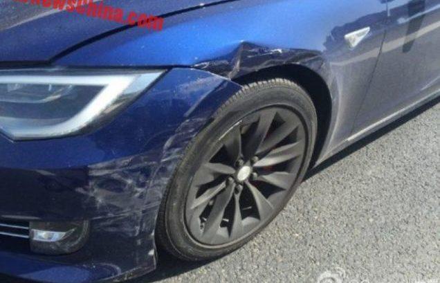 Tesla_acidente